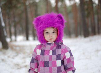 kurtka czy płaszcz, co lepsze dla dziecka na sezon zimowy?